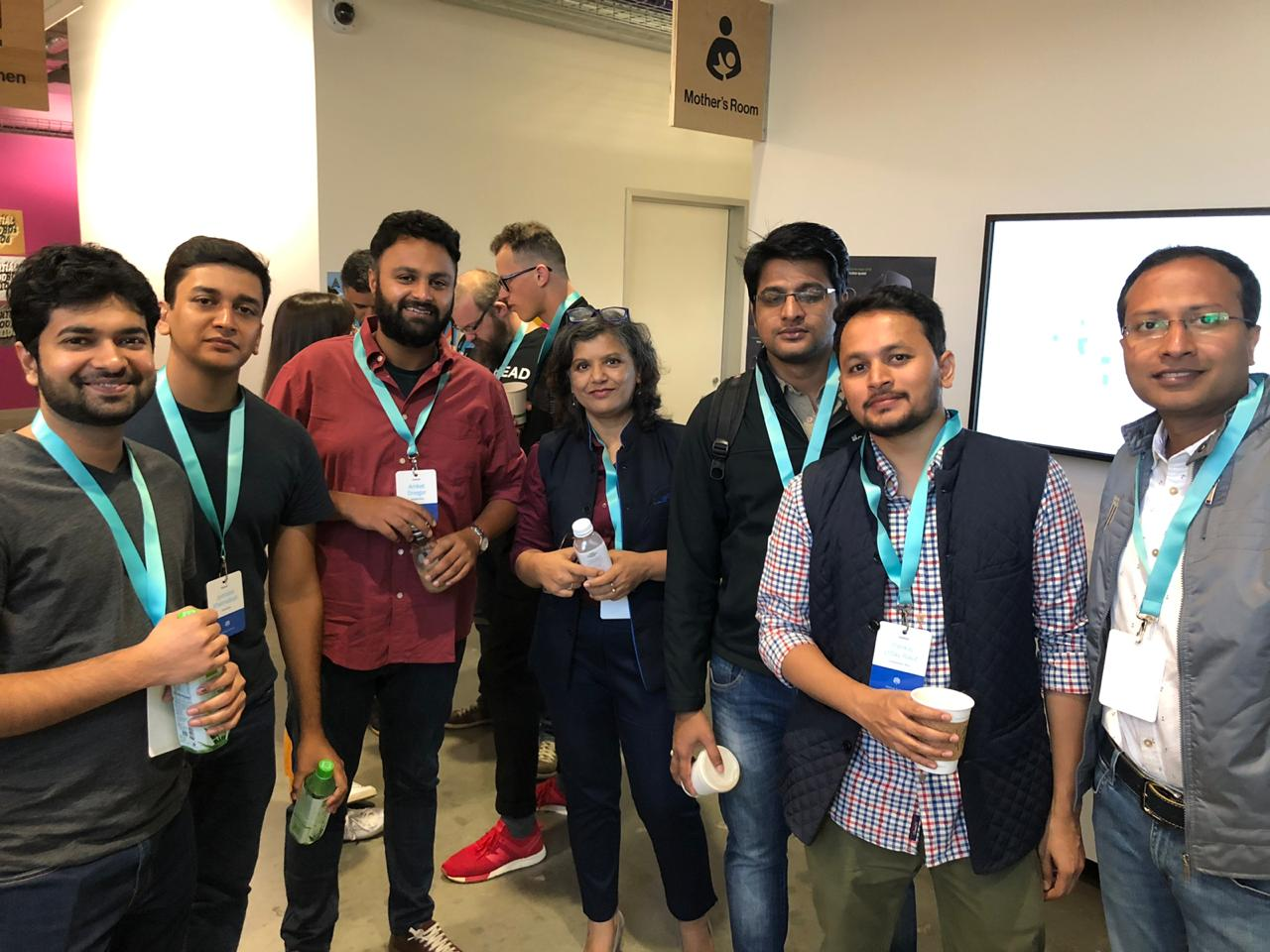 Meenakshi of Helper4U with other Indian startups at F8 2019